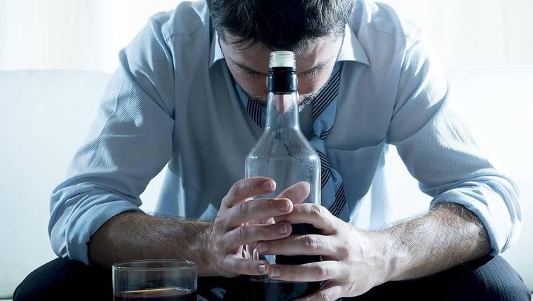 Назовите основные признаки развития алкоголизма